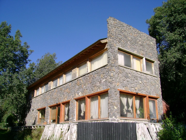 Casa en Venta en Lomas De Correntoso - 6 ambientes