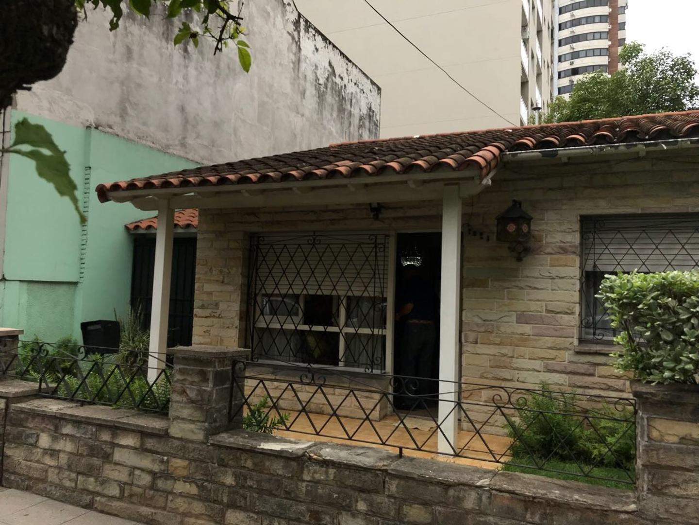 Casa en alquiler de uso comercial.