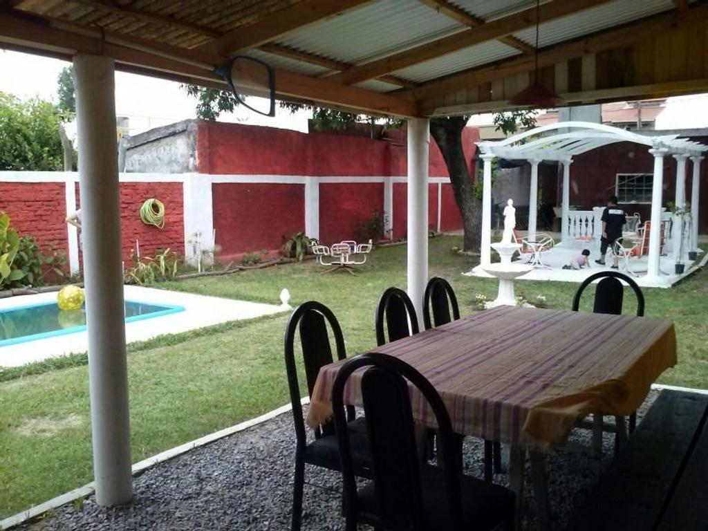 Casa en Morón, Morón, Buenos Aires USD 130000 - Palacios 1943 (Código: 486-274)
