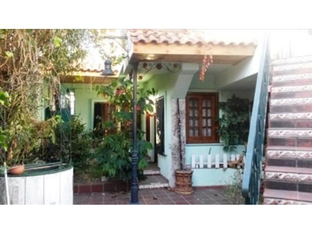 Departamento tipo casa en venta en latorre 6149 villa for Jardin belen villa ballester