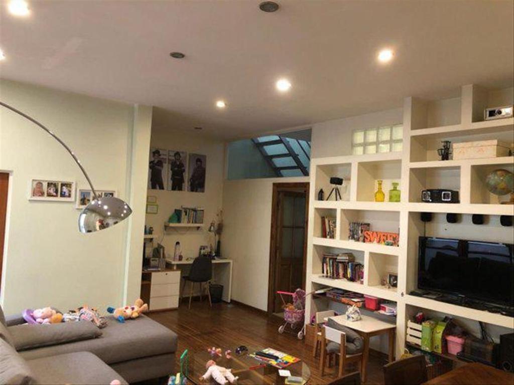 Departamento tipo casa en Venta de 4 ambientes en Buenos Aires, Pdo. de Vicente Lopez, Florida