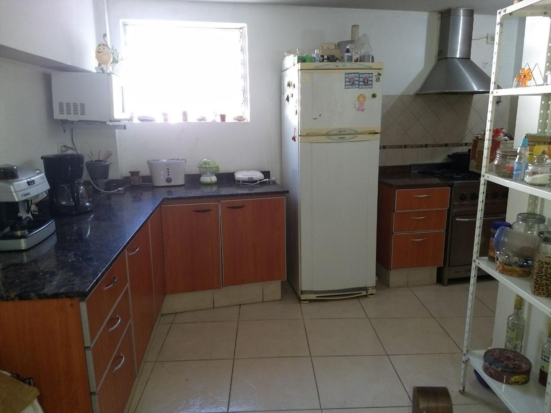 Excelente PH 3 ambientes en duplex con cochera . Apto crédito . Villa Urquiza .