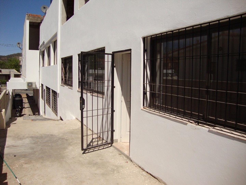 LINDO DEPARTAMENTO EN ALQUILER ANUAL EN VILLA CARLOS PAZ, 2 DORMITORIOS, COCHERA, ASADOR Y PILETA - Foto 24