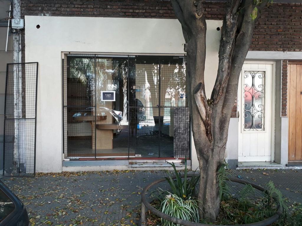 Local sin expensas, 24 m2, frente.