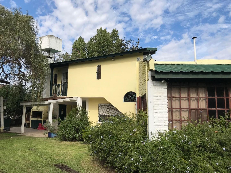 Casa en venta, B° La Loma, Del Viso, sobre calle asfaltada Manuel Maza. 3 dormitorios + escritorio