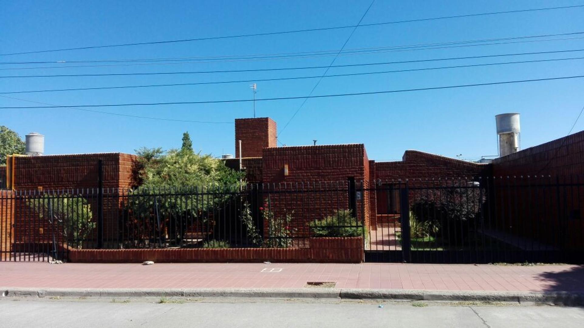Dominicos Puntanos, casa 4 dormitorios. San Luis, capital
