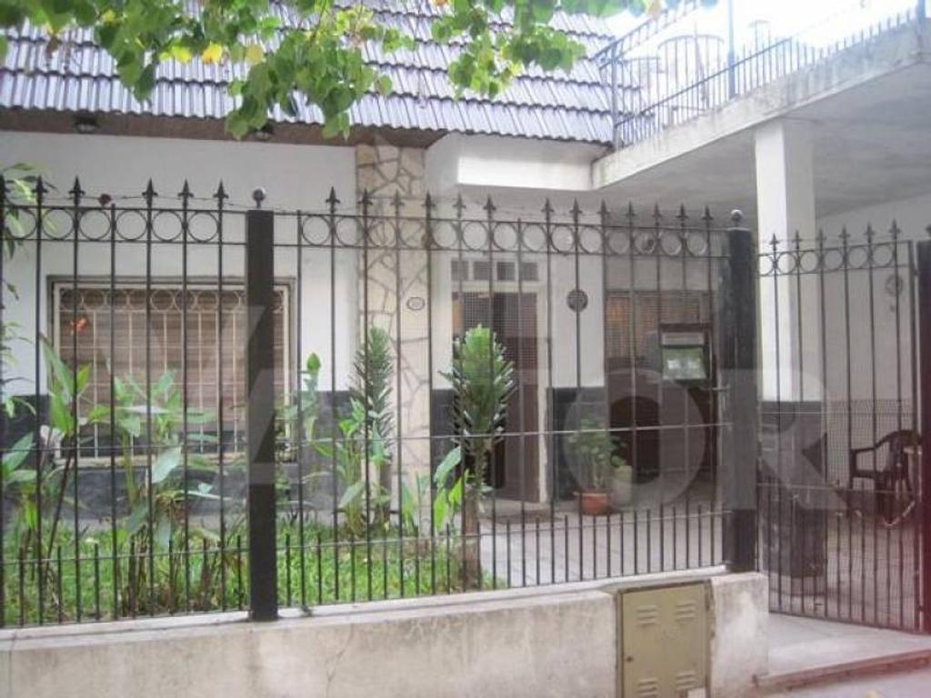 Zamudio 3100, Casa lote propio de 4 ambientes c/Patio y Terraza