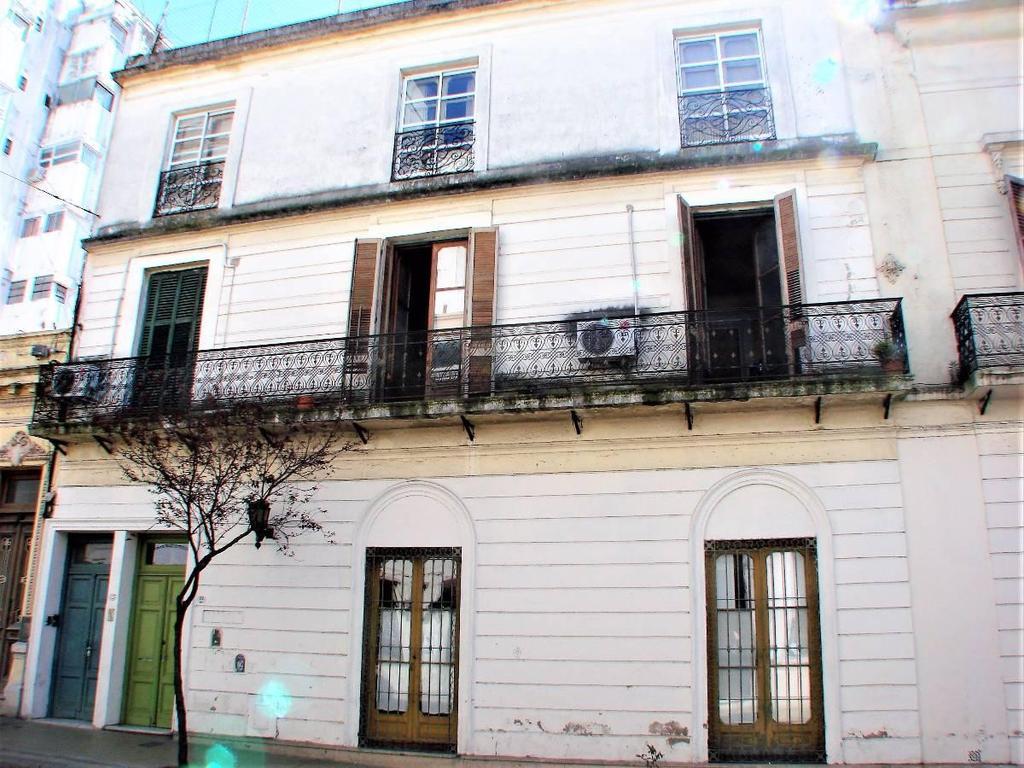Chile 500 - PH 5 Ambientes con Balcón y Patio