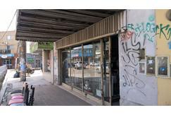 ALQUILO LOCAL 200 m2 cubiertos. Tres plantas. PB 7 x 14 Cortina maya c/puerta. Vidriera horizontal