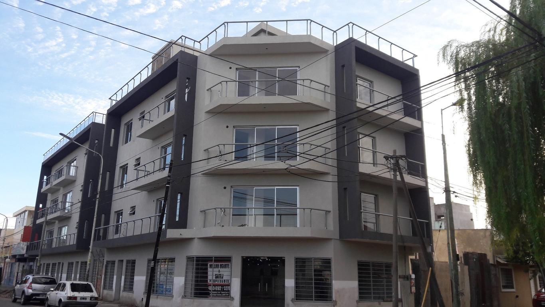 DEPARTAMENTOS EN CONSTRUCCIÓN DE 2 Y TRES AMBIENTES - HAEDO NORTE - FASSOLA AL 800.-