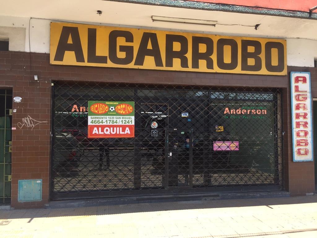 Local Comercial Avenida Pte. Peron al 2200