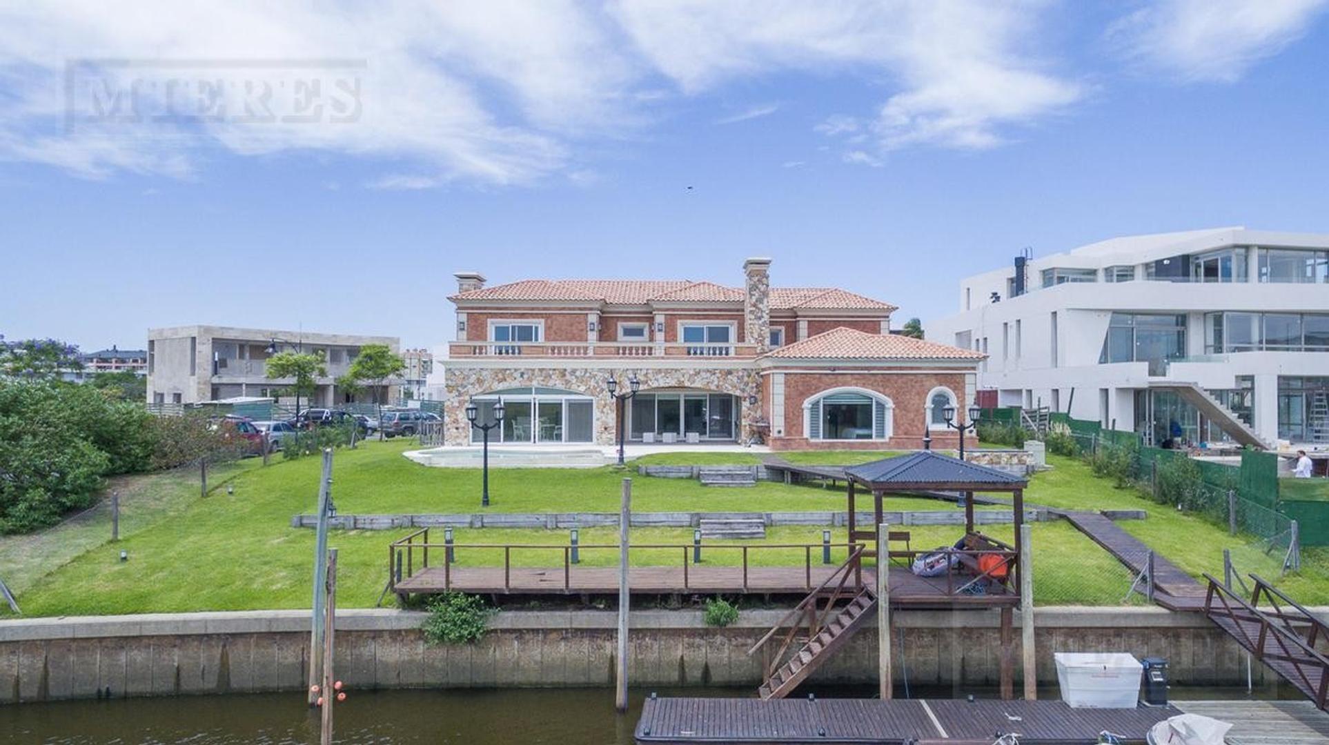 Casa en Venta en Nordelta El Yacht - 8 ambientes