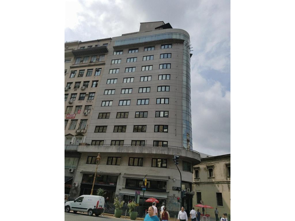 Alquilo Oficina. Centro una cuadra Plaza de Mayo.