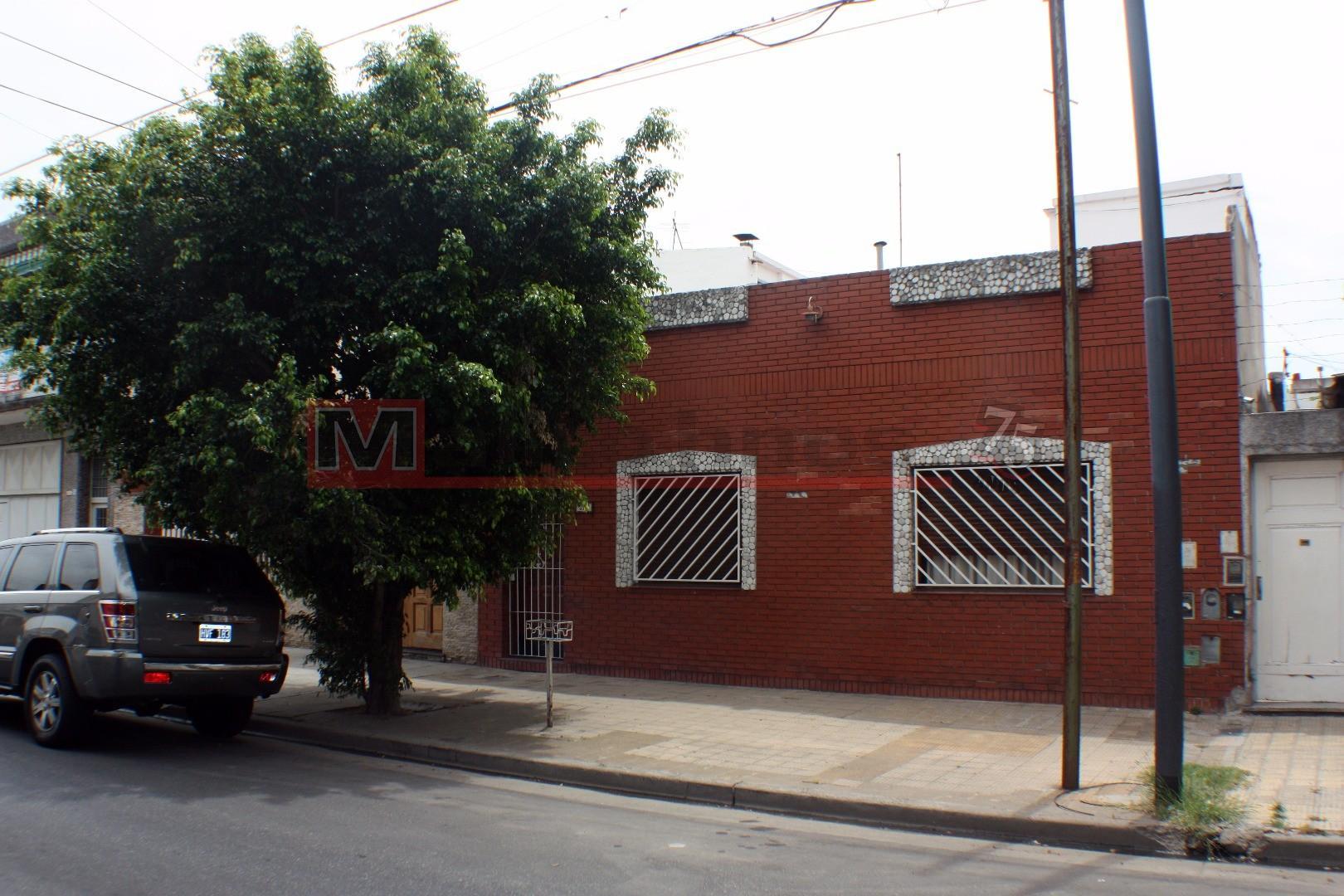 Casa Venta 6 Ambientes, 4 Dormitorios, Terraza.