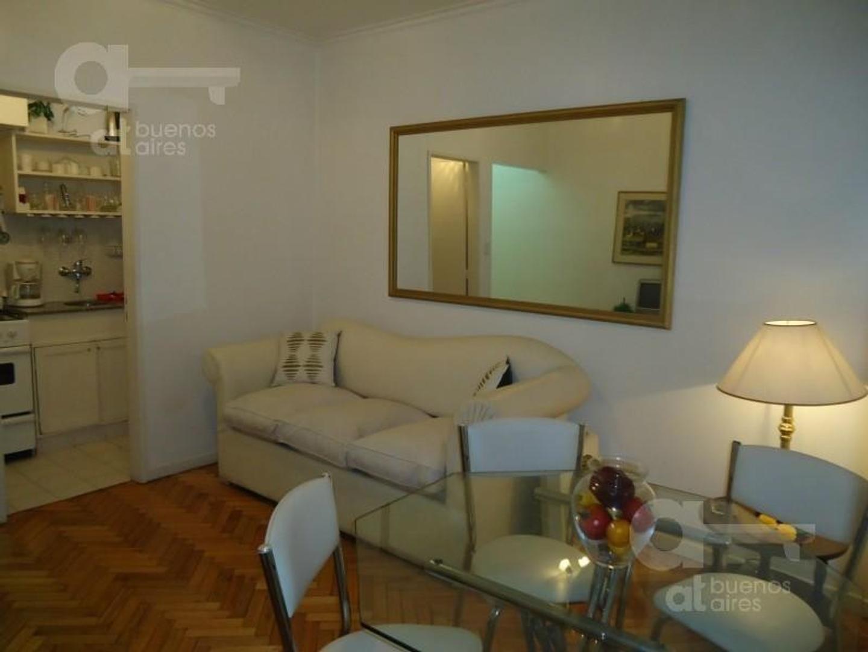 Barrio Norte, Departamento 2 Ambientes con Balcón, Alquiler Temporario Sin Garantía!