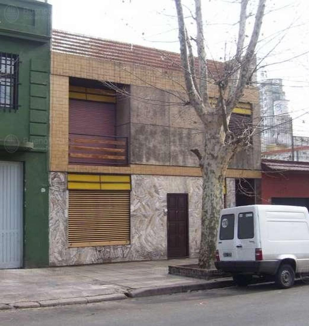 Excelente Casa en PH al Frente 4 amb + 2 Terrazas.