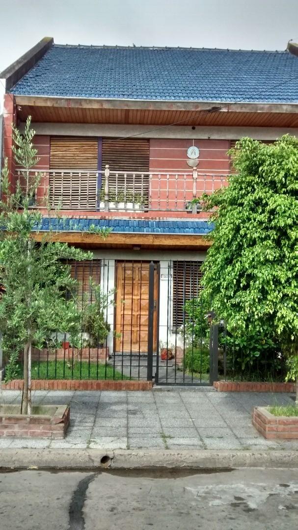 Casa en Venta en Olivos Maipu/Uzal - 5 ambientes