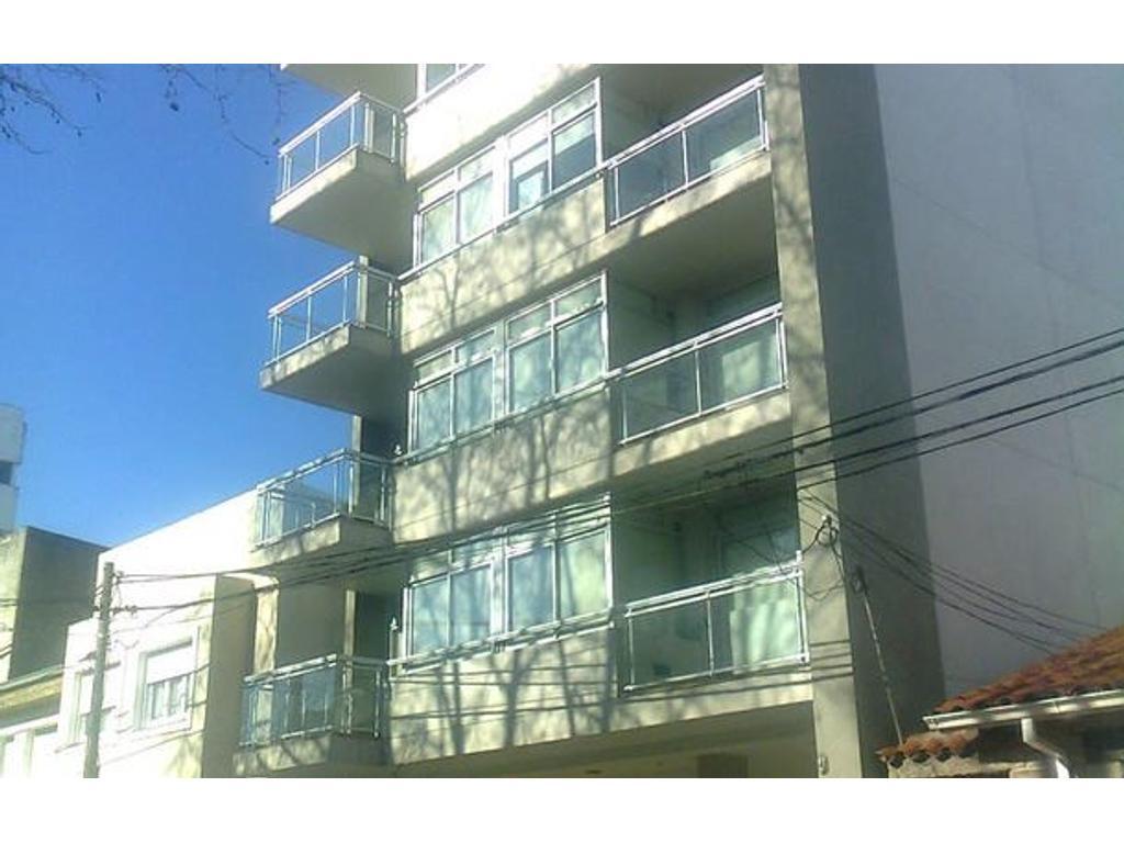 Piso completo Edificio Lares Barrio Chauvin