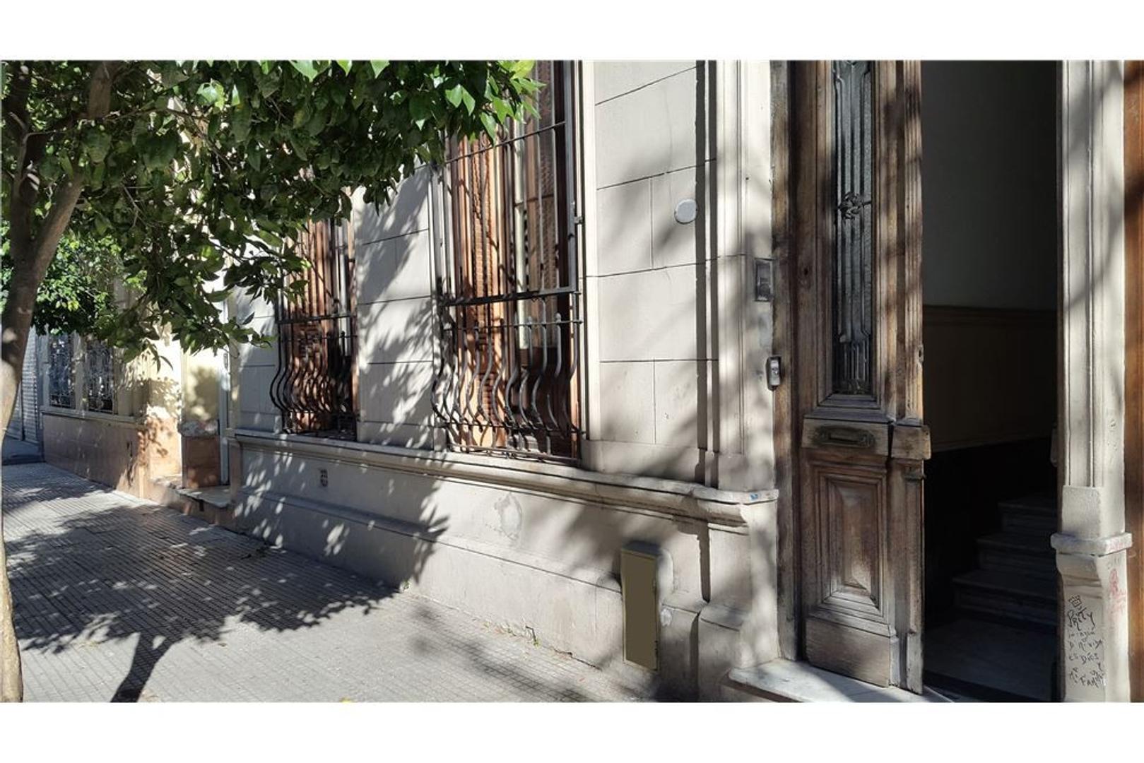 VENTA- PH PB° 5 amb (114 m2)+Entrepisos -BALVANERA