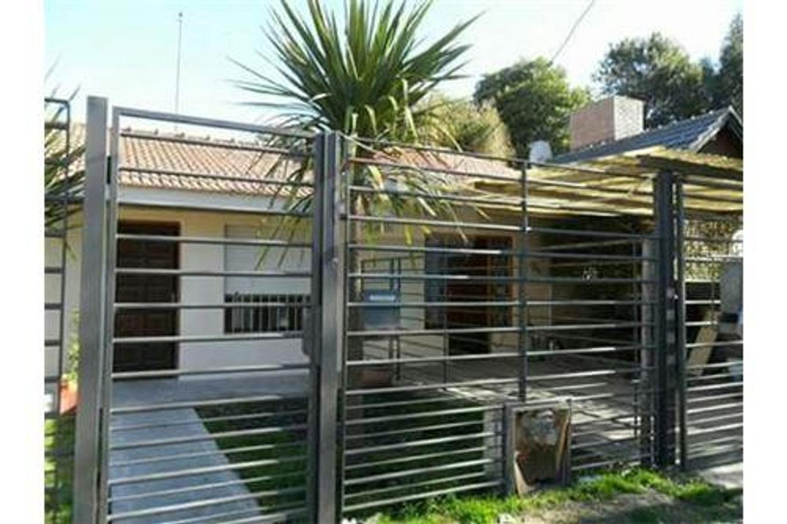 Moderna Casa 4 ambientes,quincho,trotadora 3 autos