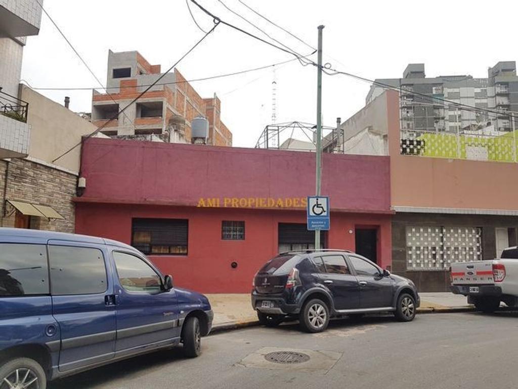 LOTE / CASA EXCELENTE UBICACIÓN - ZONA PQUE. CENTENARIO