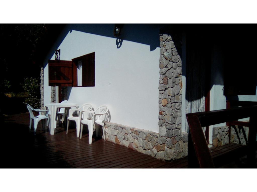 Casa En Alquiler Por Temporada En Paseo 138 140 Villa Gesell  # Muebles Villa Gesell