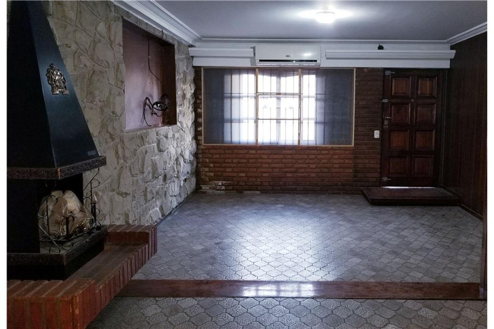 CASA 5 AMB,COCHERA,PARRILLA,QUINCHO,WILDE CENTRO