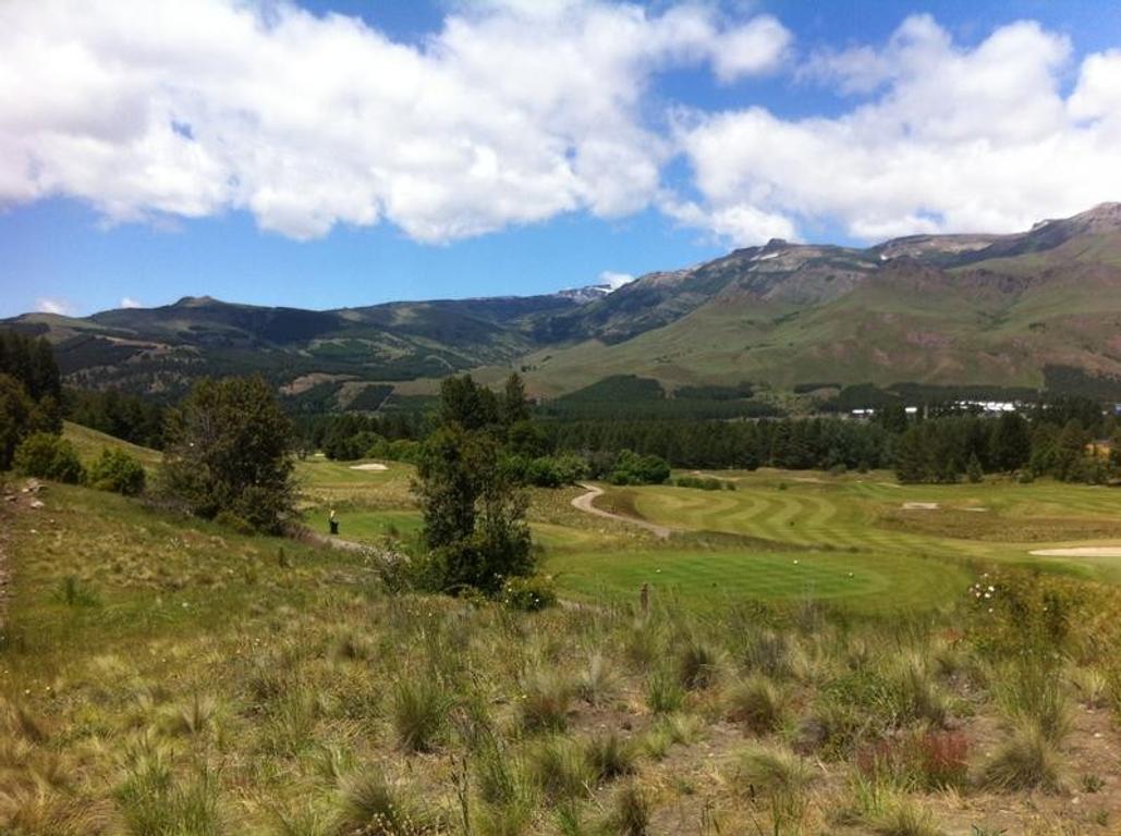 Excelente terreno en Chapelco golf