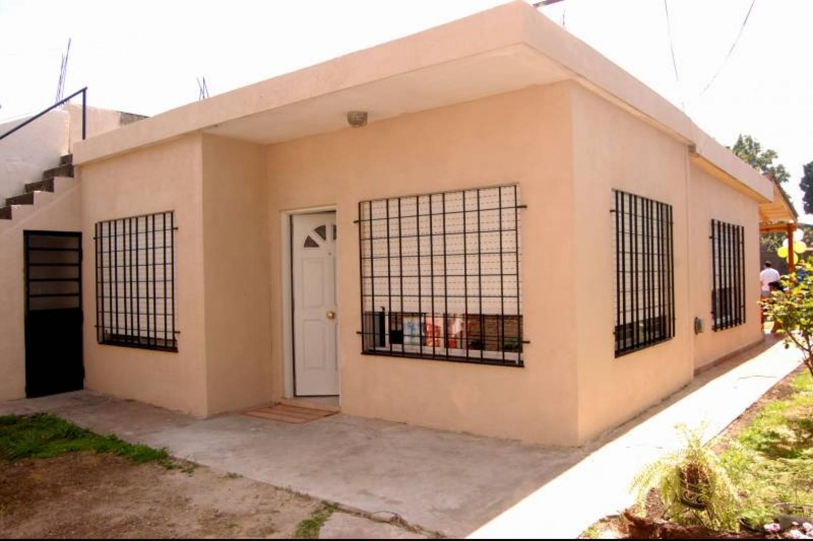 Venta de Casa de 3 Ambientes - LOTE 10x25 APROX