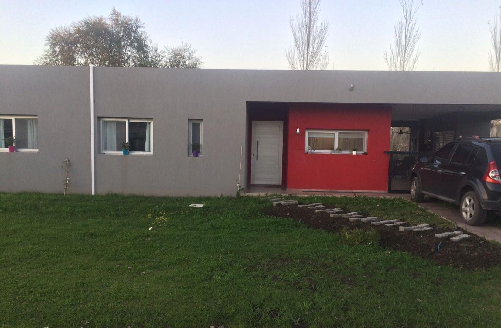 Hermosa casa en Club La Candida