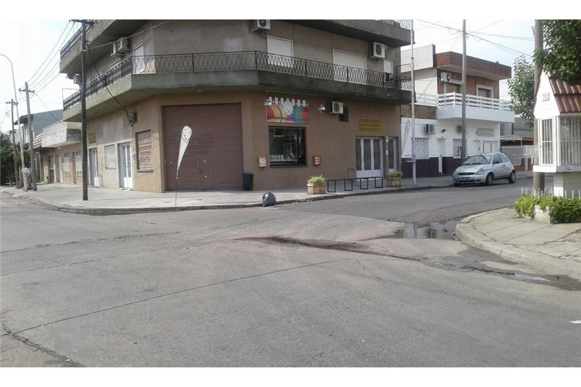 Local Lomas del Mirador con ph aledaño a terminar