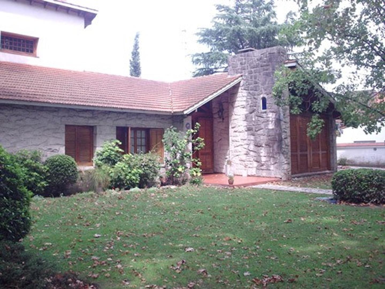 Casa en Alquiler en Florencio Varela - 5 ambientes