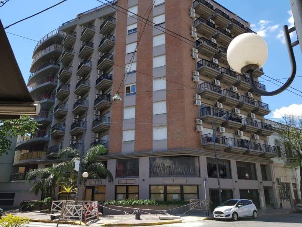 Venta Mono-ambiente al frente con balcón