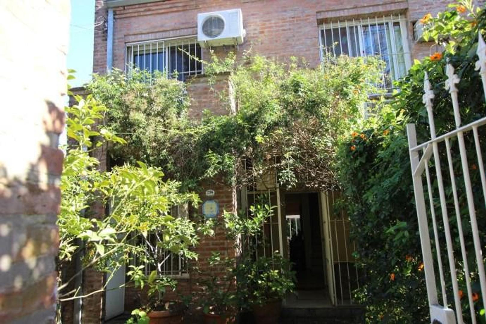 Casa en Venta en Olivos Vias/Maipu - 5 ambientes