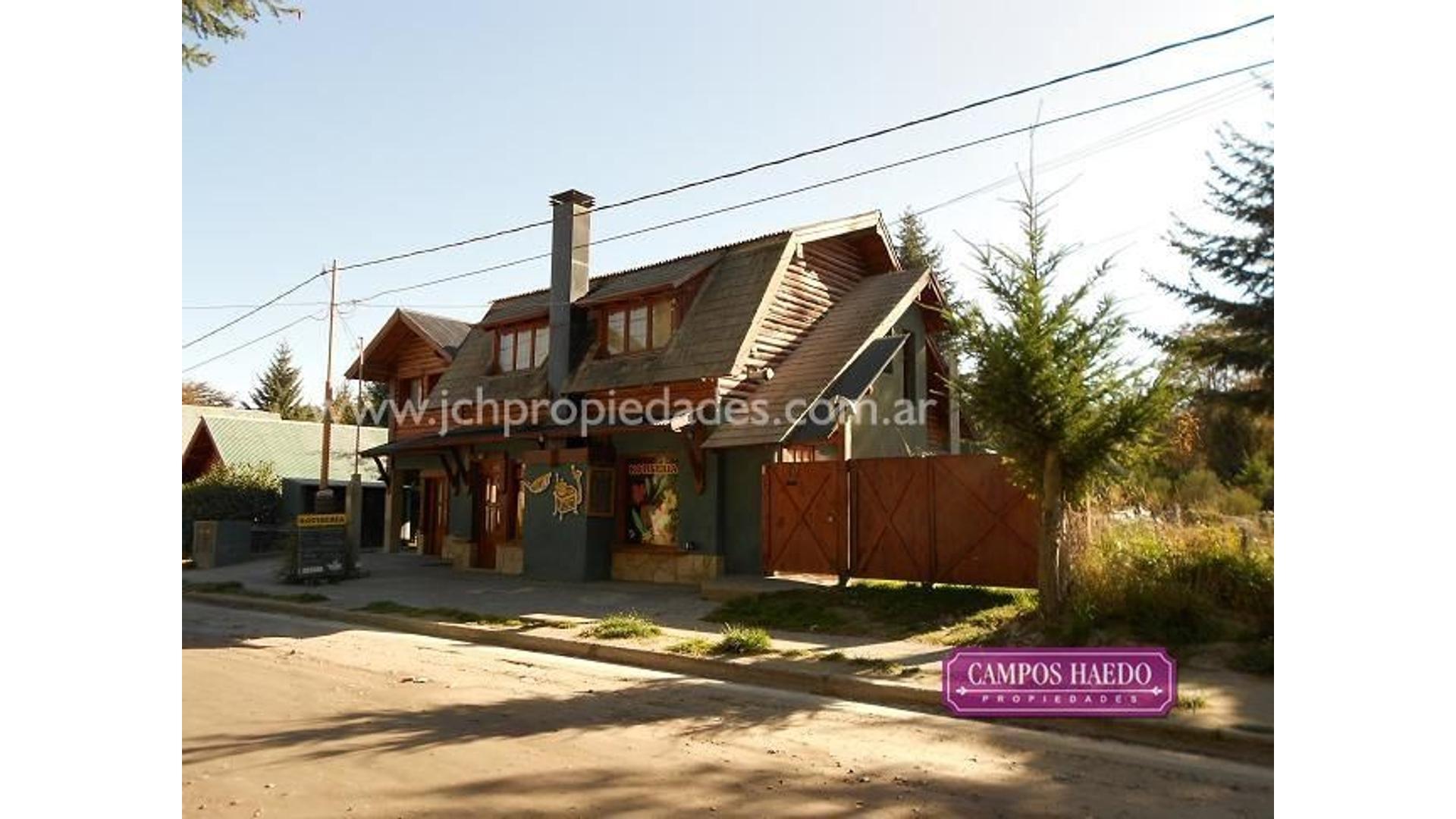 Locales con vivienda en zona comercial de Villa La Angostura (cod. C77)
