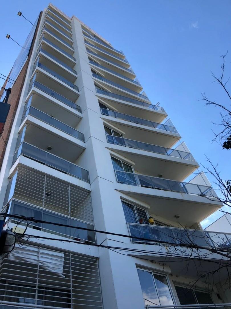 MB Negocios inmobiliarios VENDE. DUPLEX VISTA FRANCA RIO. AVELLANEDA 685 BIS. 2 dormitorios. Cochera