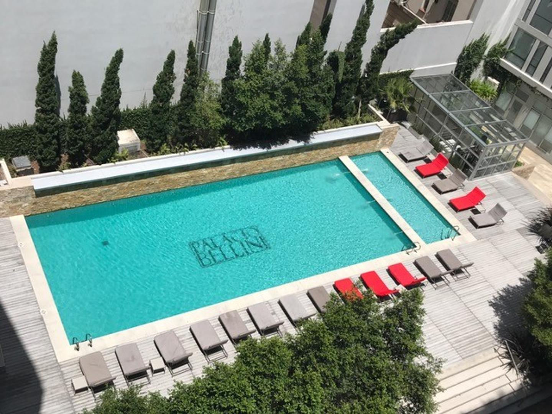 PALACIO BELLINI, amplio 2 ambientes de categoría con cochera doble!!