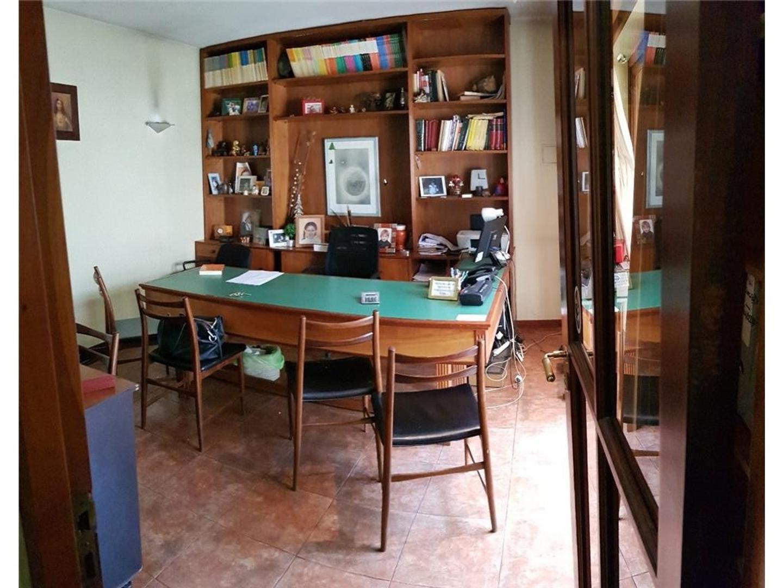 Casa en Alquiler en Velez Sarsfield - 5 ambientes
