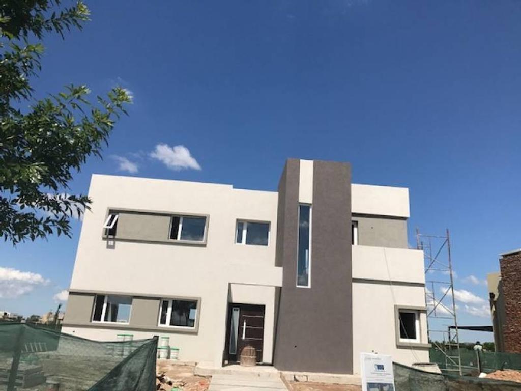 Barrio El Canton - Islas - Hermosa casa en venta