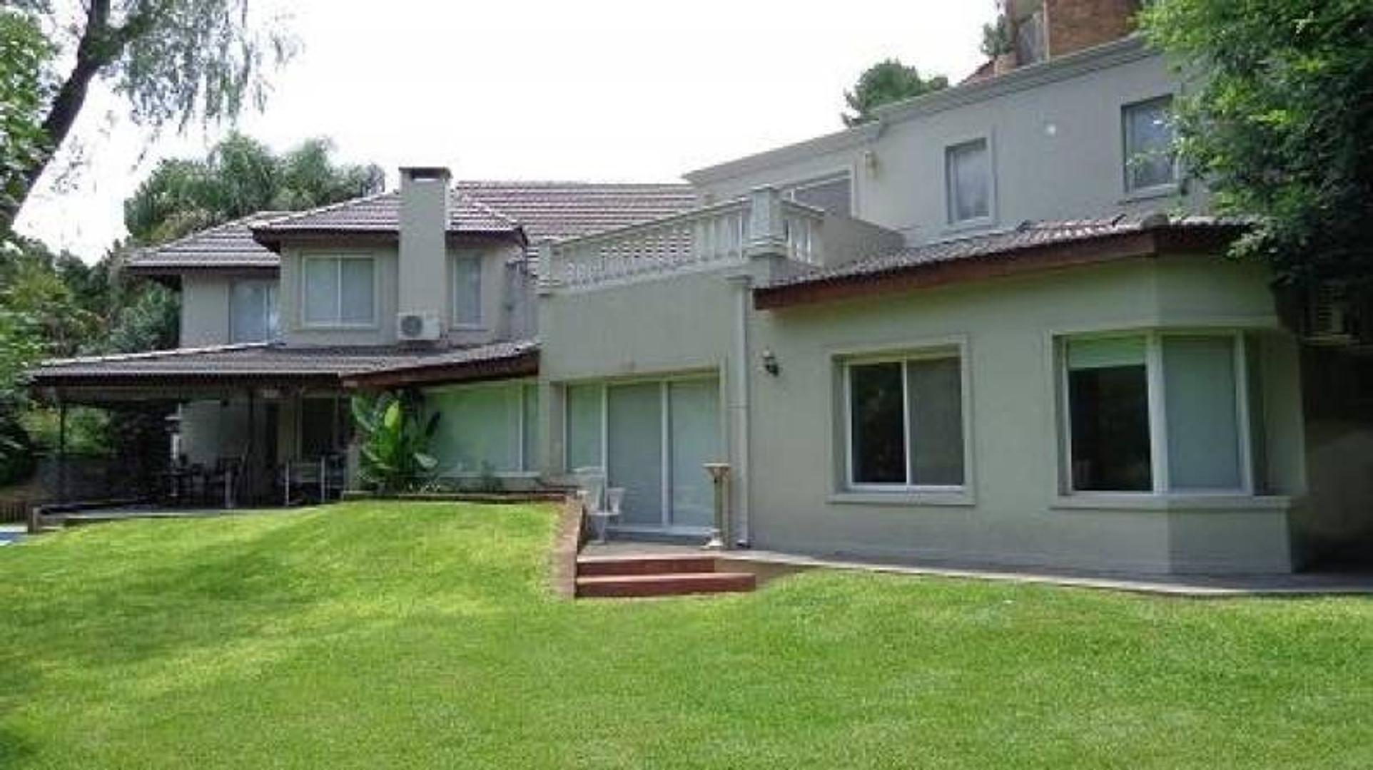 Alquiler de casa amoblada en Barrio Pilar del Lago - Pilar