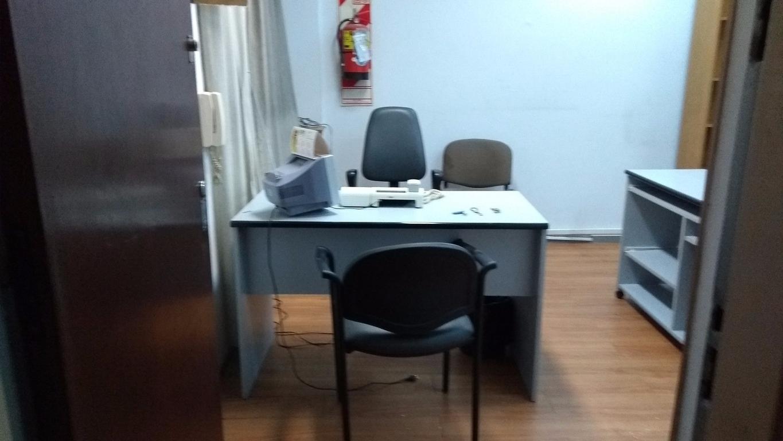 Alq oficina amoblada