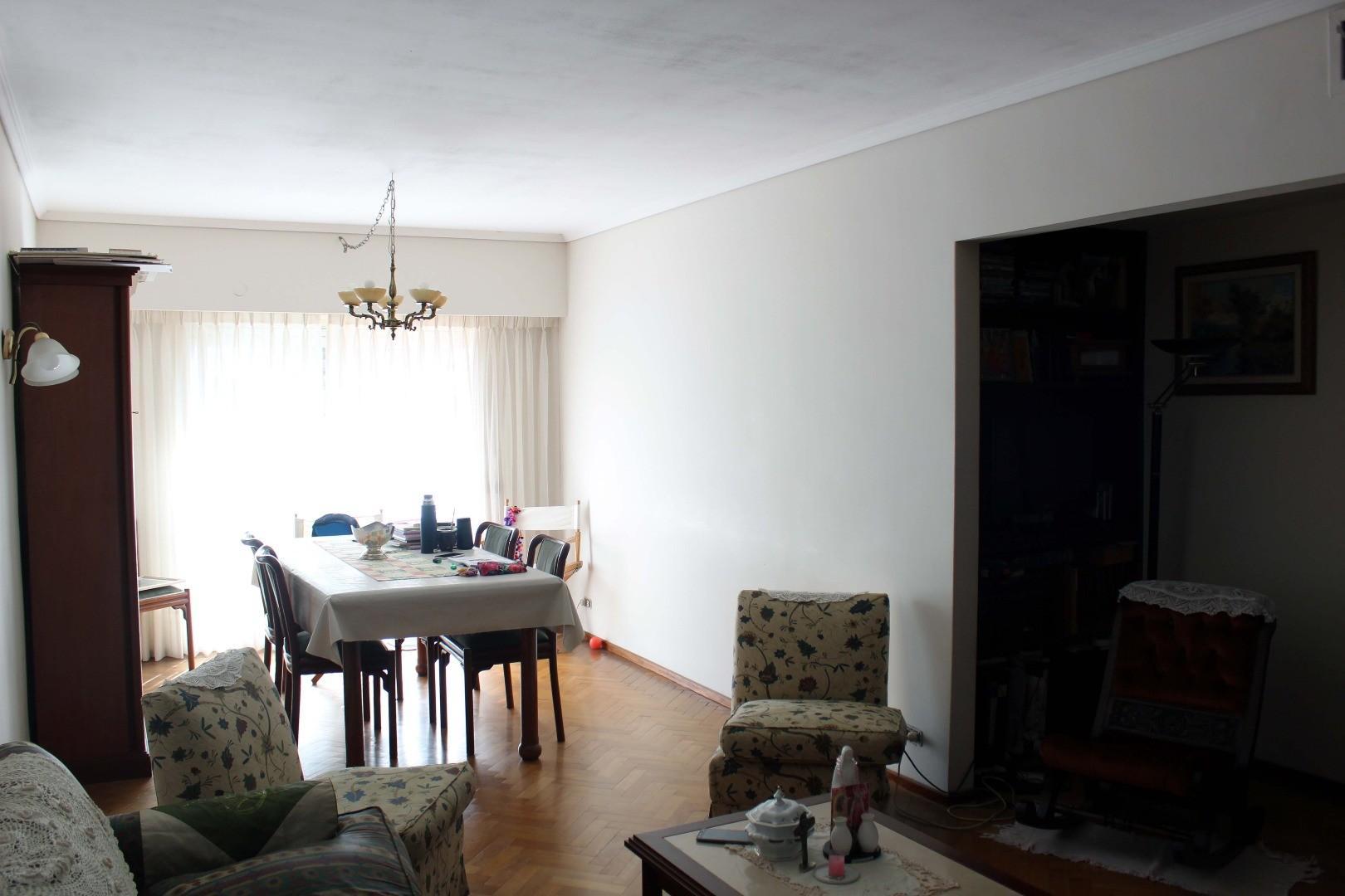 3 Dormitorios con cochera a metros del Parque España