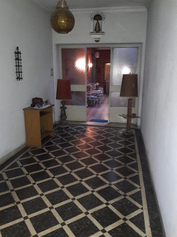 Villa Luro T/C 4 amb PB Frente con Patio y Gran Terraza