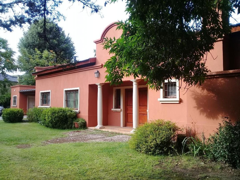 Casa en Venta en Benavidez - 7 ambientes