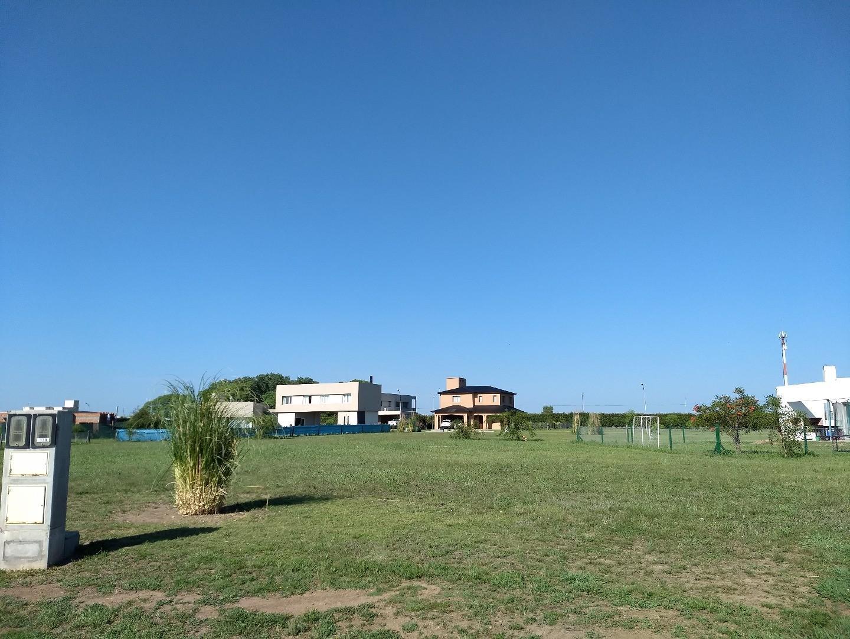 Espectacular terreno de 1054 metros en barrio privado San Sebastian