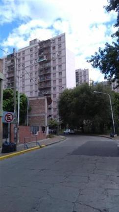 EN VENTA Depto 3 amb, Barrio Autopista.