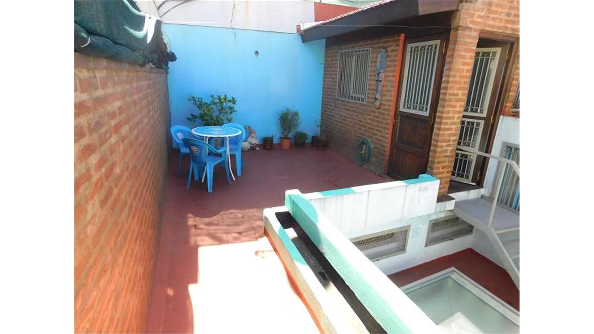 VENTA HERMOSO PH 3 AMB c/ DEPENDENCIA Y TERRAZA | BALVANERA