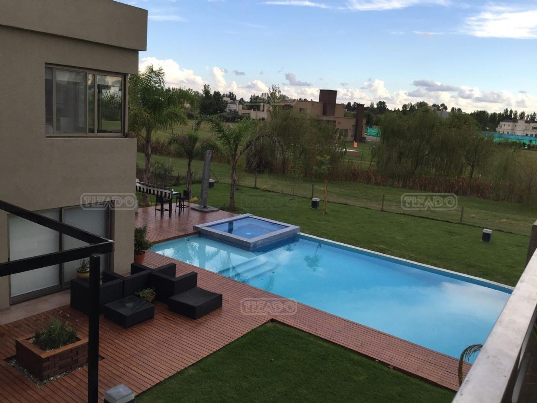 Casa en Alquiler en Terravista - 6 ambientes