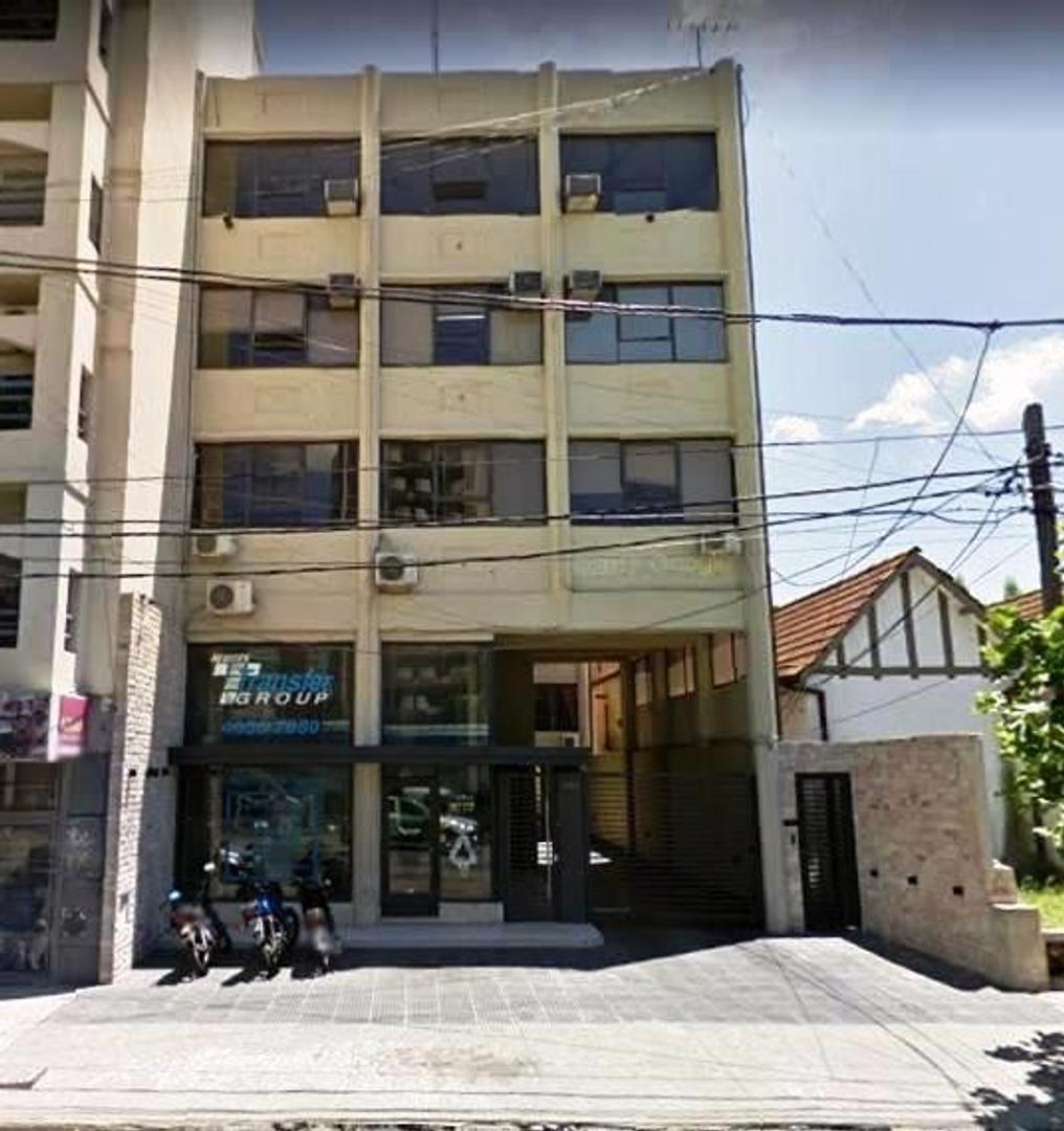 *EDIFICIO COMERCIAL EN P.B.:LOCAL Y COCHERAS Y 3 PISOS DE OFICINAS *SOBRE LOTE DE 10,52 X 41,92.