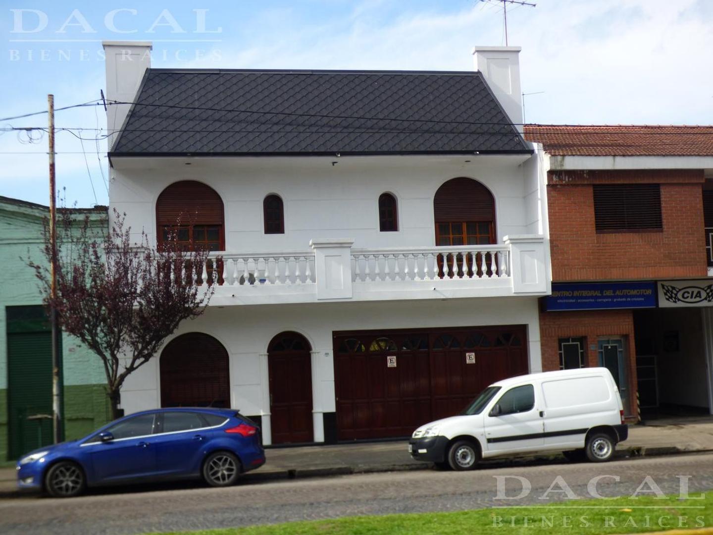 Casa en Venta en La Plata - 9 ambientes